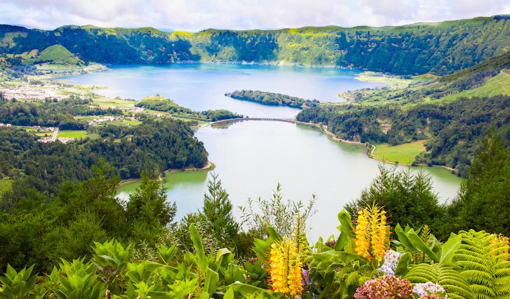 Azores Stopover Sete-Cidades-Flowers