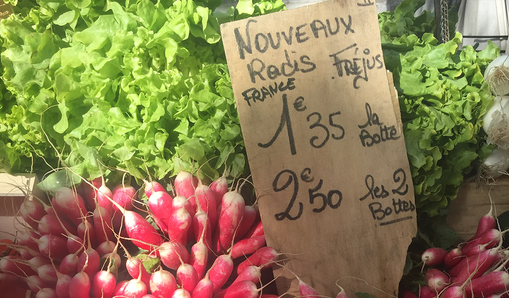 Photo-St-Tropez-Farmers-Market