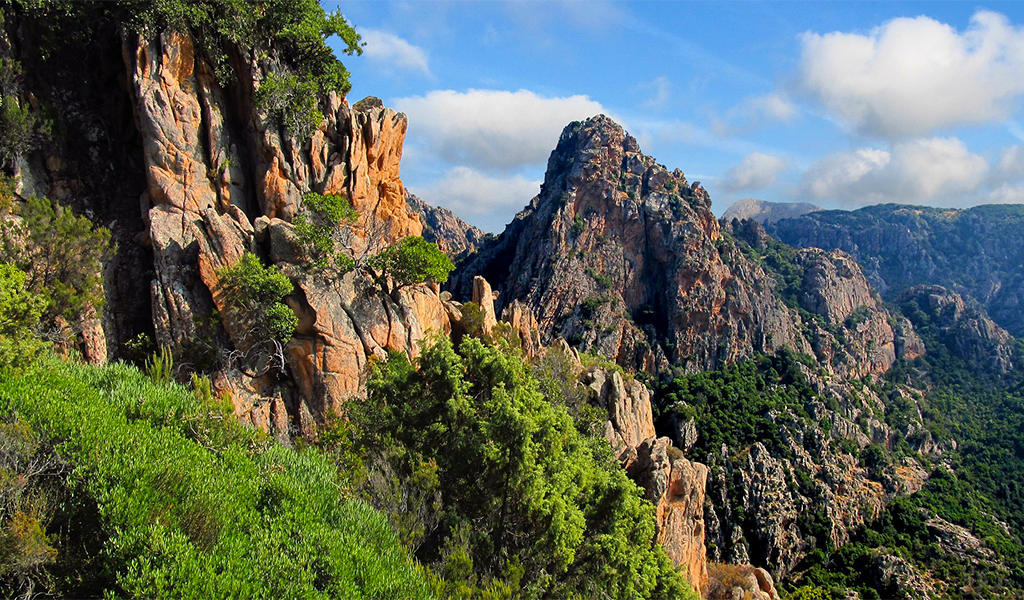 corsica-mountains-photo