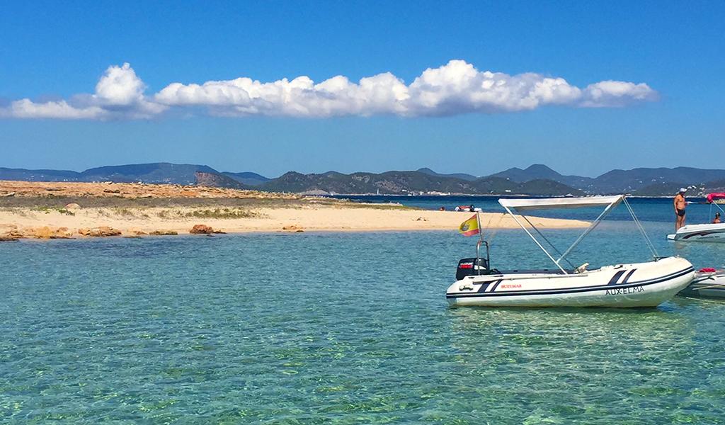 ibiza-island-ocean-boats