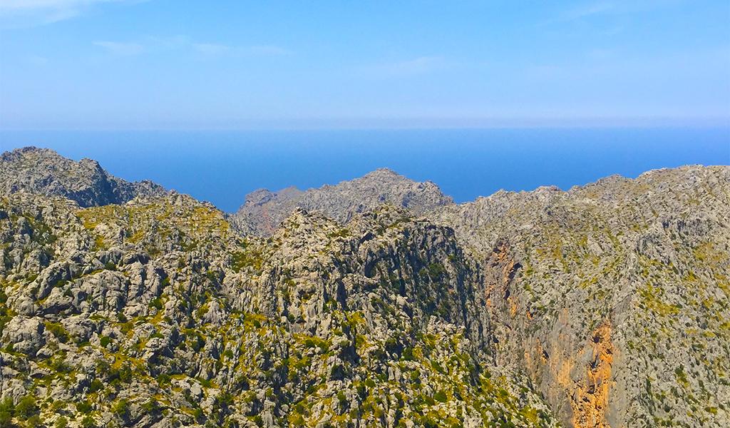 mallorca-island-mountains-ocean