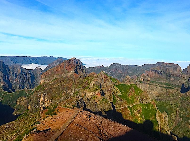 Madeira-Pico-Ruivo-Mountain-Vista-800x600
