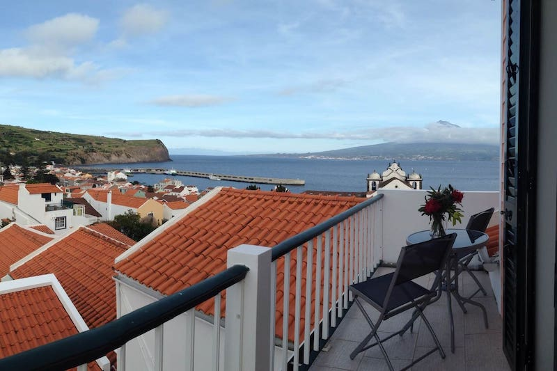 Big-and-Beautiful-House-in-Hort-Casa-Matriz-Faial-Island-Azores