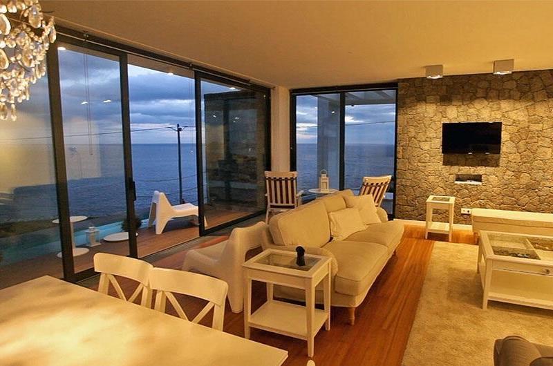 Extra-Casa-da-Cinco-Terceira-Island-Azores