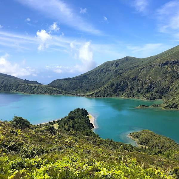 Best-Time-to-Visit-Azores-Sao-Miguel-at-Lagoa-do-Fogo