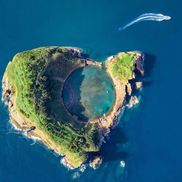 Ilheu-da-vila-Franca-Sao-Miguel-Azores